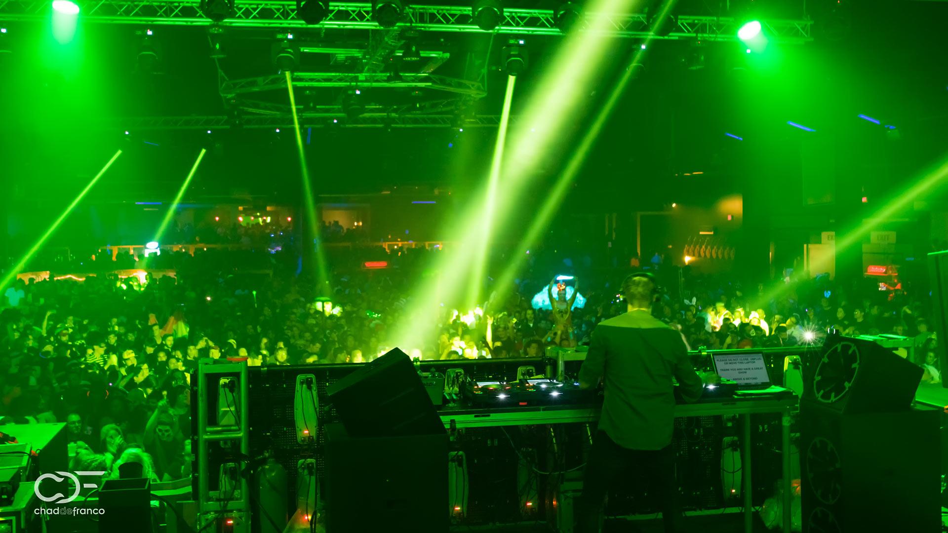 Yotto on stage at the Atlanta Coliseum