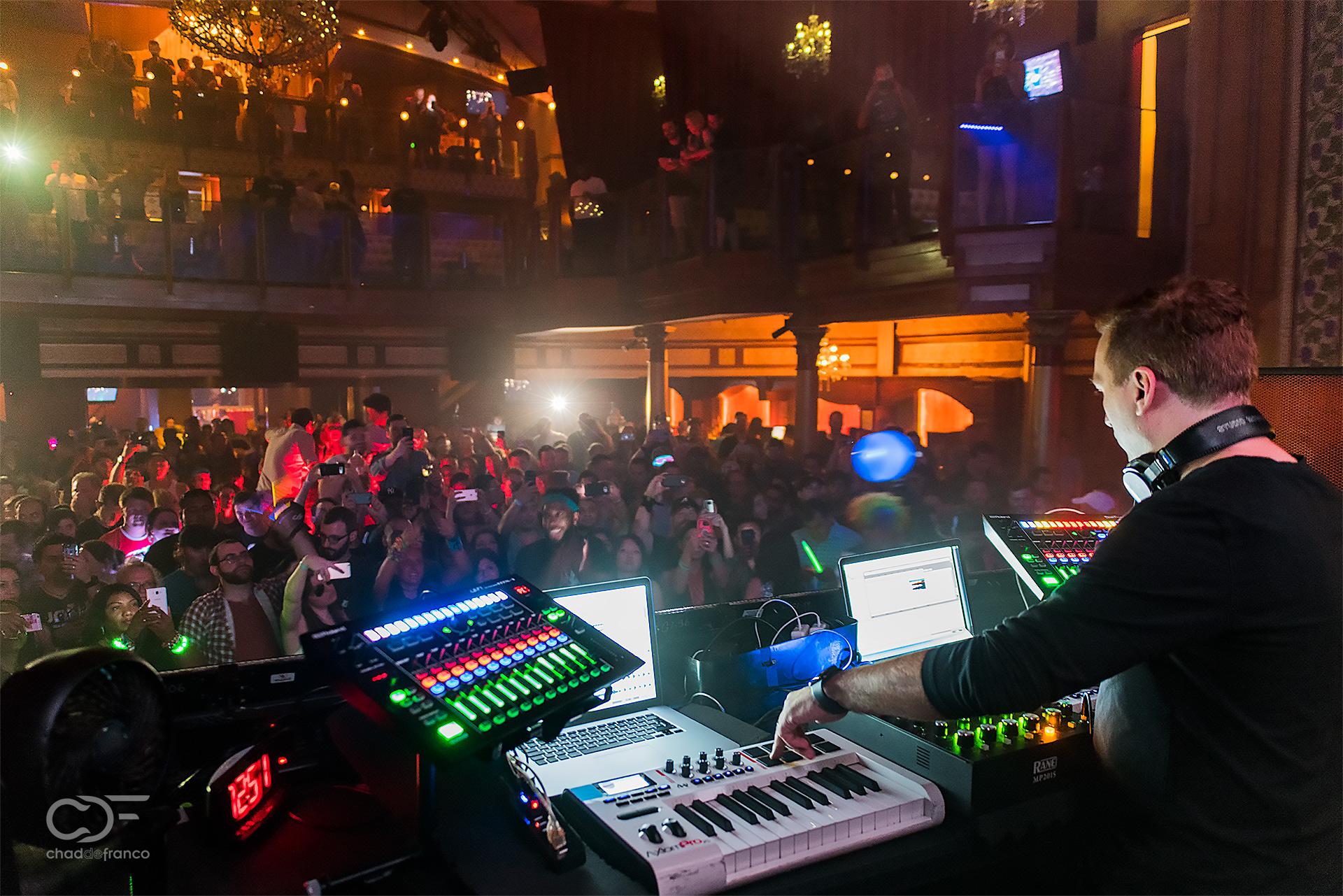 Paul Van Dyk plays in front of Atlanta audience